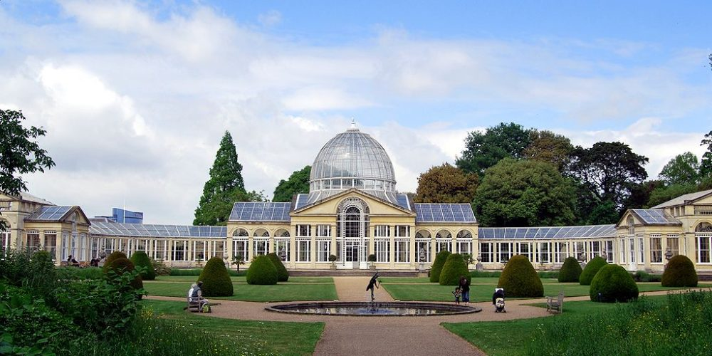 https://selectcoachhire.co.uk/wp-content/uploads/2020/12/Syon_House_Conservatory.jpg